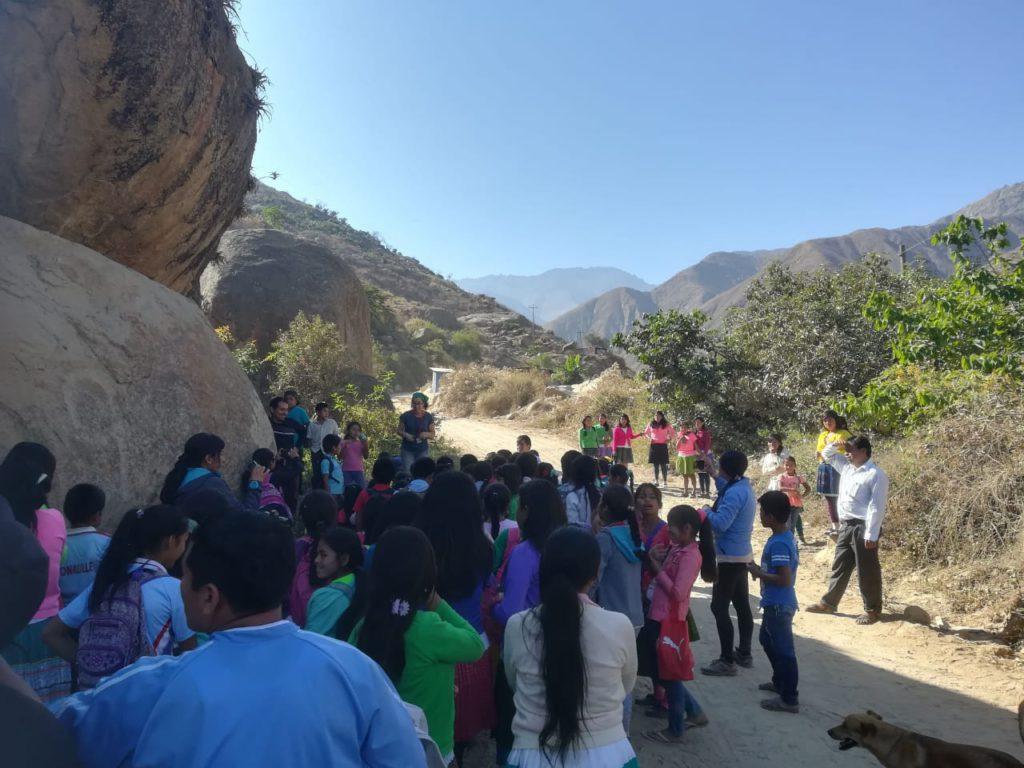 """Dibujando en el territorio andino, proyecto de investigación """"Arte rupestre del Rio Loco, Perú"""""""