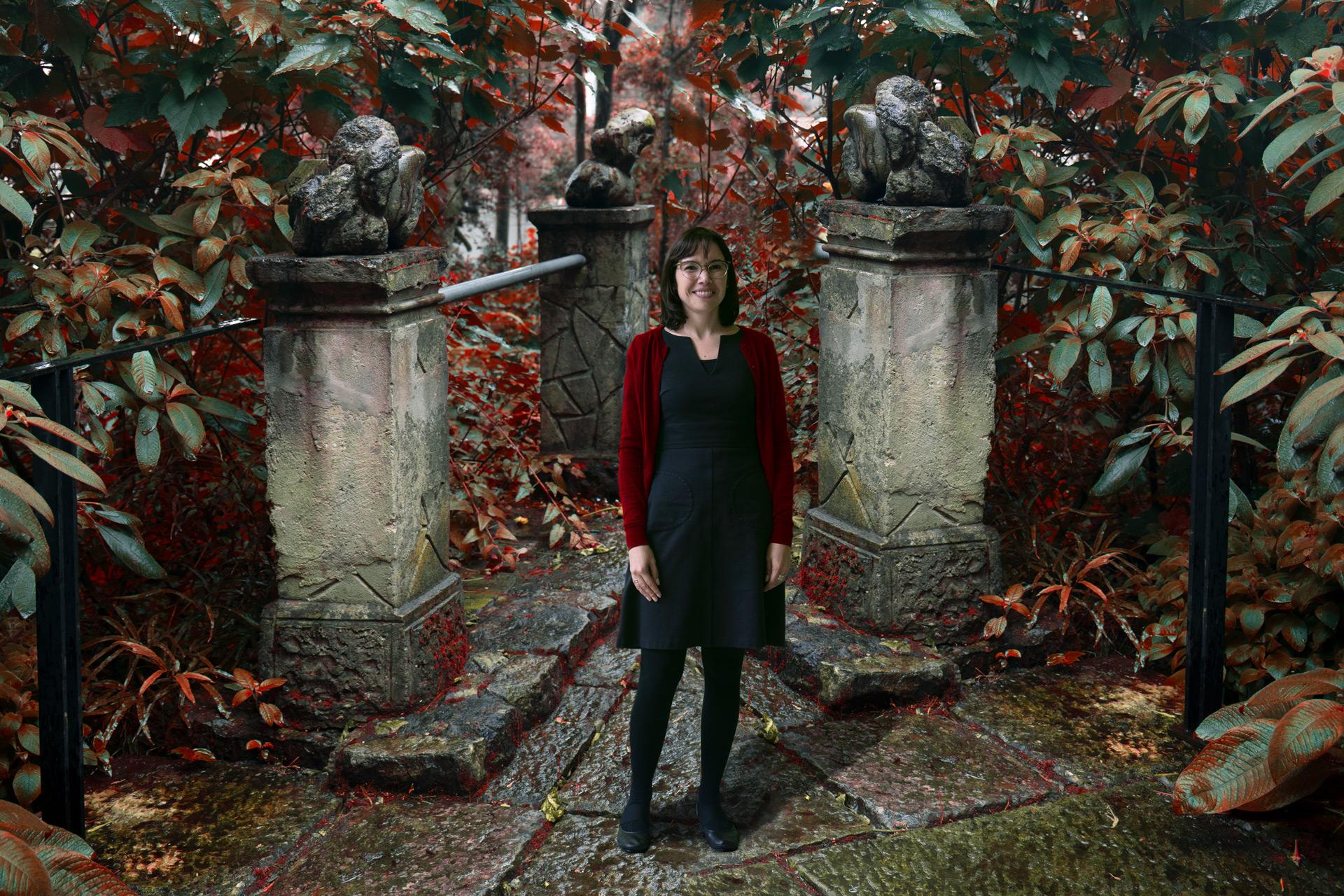 """""""Hay que descubrir los matices que el realismo mágico devoró"""". Nuestra profesora María Clara Bernal participa en exposición de surrealismo global en 2021"""