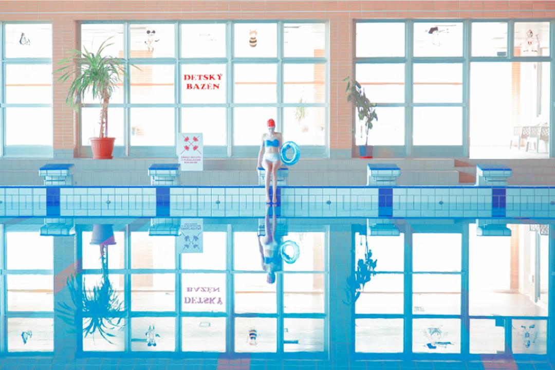 Anexo 11. De la serie Swimming pool. Maria Svarbova